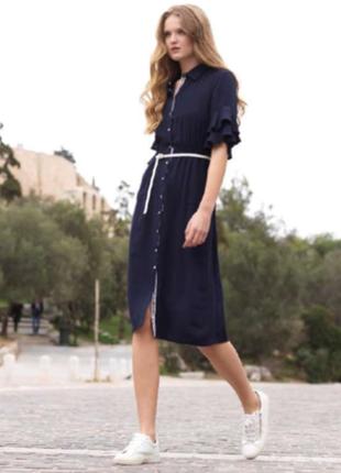 Платье темно-синего цвета под поясок