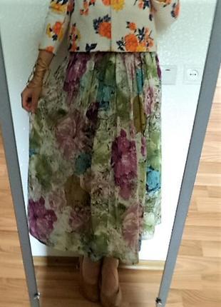 Шикарная дизайнерская юбка из прекрасного и очень приятного материала/как новая