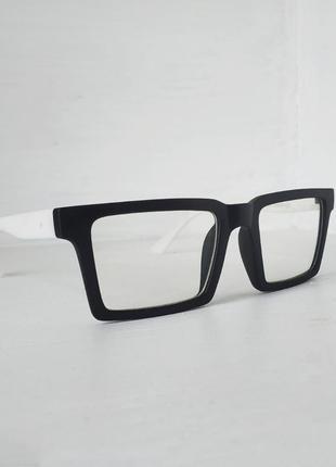 Квадратные/прямоугольные имиджевые очки,черно-белые