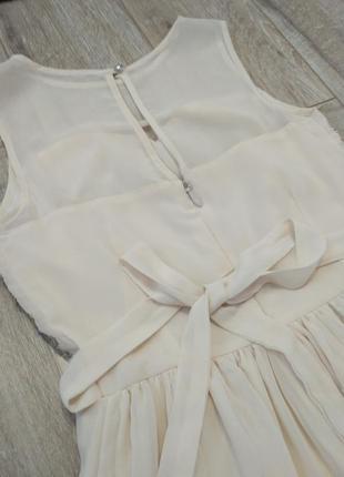 Лёгкое. нарядное платье шифоновое нежное бежевое в молочном цвете6 фото