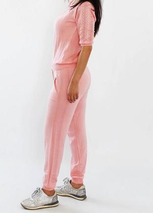 Трикотажный спортивный костюм нежно-розового цвета 42-44
