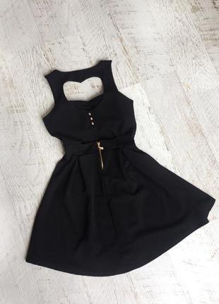 Платье с потрясающе красивой спиной