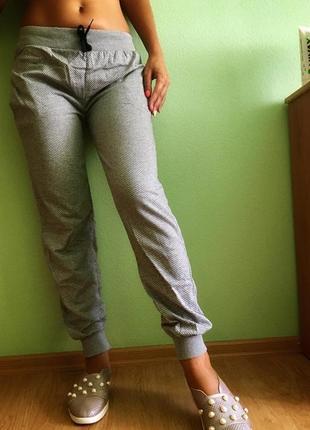 Стильные меланжевые брюки / s-m