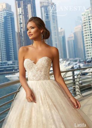 Продам шикарное свадебное платье latifa итальянского бренда lanesta2 фото