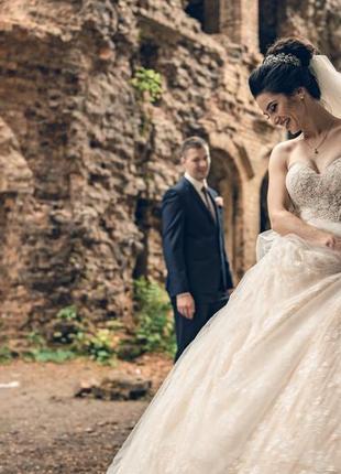 Продам шикарное свадебное платье latifa итальянского бренда lanesta3 фото