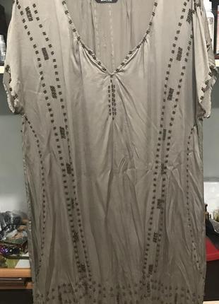 Шелковое платье от известного бренда