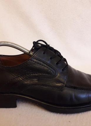 Отличные кожаные туфли фирмы bata p. 42 стелька 28 см