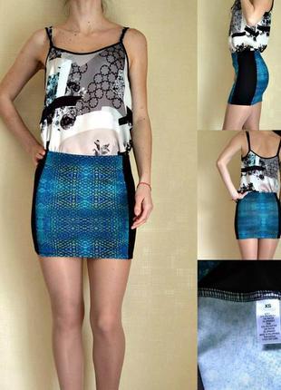 Трикотажная облегающая юбка с принтом
