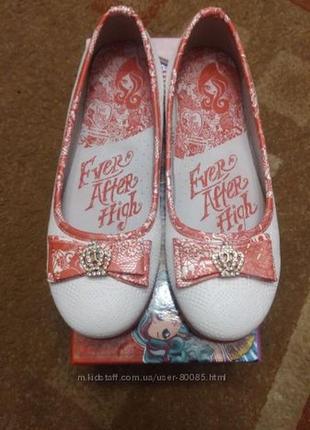 Новые туфли девочке 33 размер