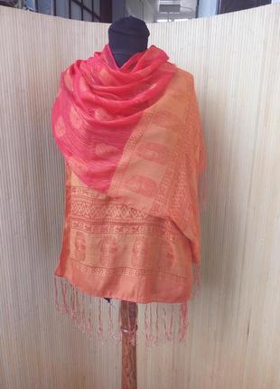 Палантин / шарф с золотистыми нитями в египетском стиле
