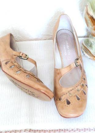 Легенькие кожаные туфельки, 37,5 р (24,5 см)