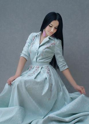 """Роскошное жаккардовое платье в пол с ручной вышивкой """"утреннее небо"""""""