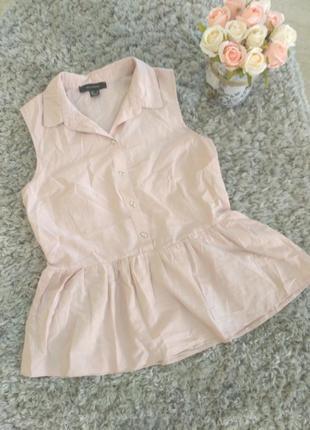 Блуза, блузка, рубашка пудра с баской воланом без рукавов