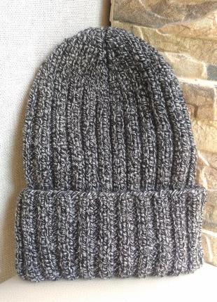 Вязаная серая шапка