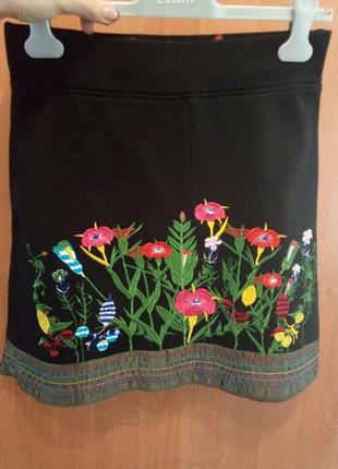 Трикотажная юбка с вышивкой desigual