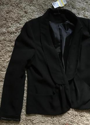Деловой пиджак новый