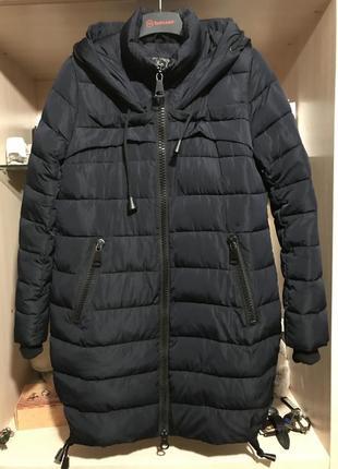 Темно-синяя зимняя куртка. супер теплая!