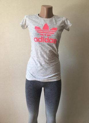 Футболочка adidas серии original