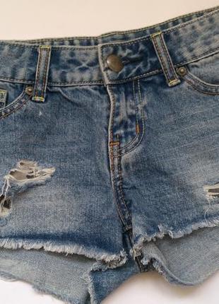 Стильные джинсовые короткие шорты