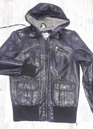 Курточка под кожу. бомбер.