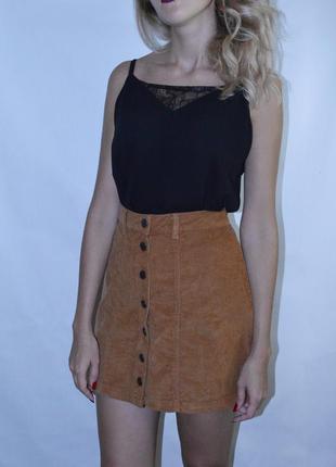 Трендовая вельветовая юбка трапеция на пуговицах