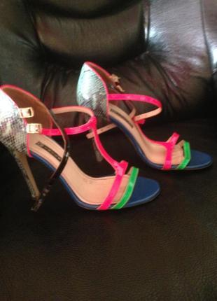 Босоножки сандали сандалии