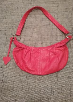 Модная кожаная сумочка