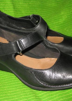 Туфли clarks,р.37-38 стелька 24,5см кожа