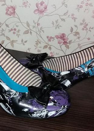 Туфли яркие iron fist