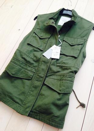 Качественная стильная джинсовая жилетка хаки pull and bear