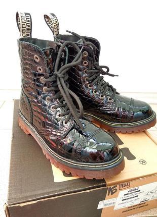 Ботинки от известной фирмы steel