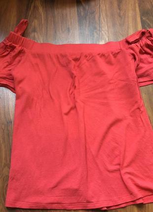 Блуза со спущенными плечами. кофточка без плеч