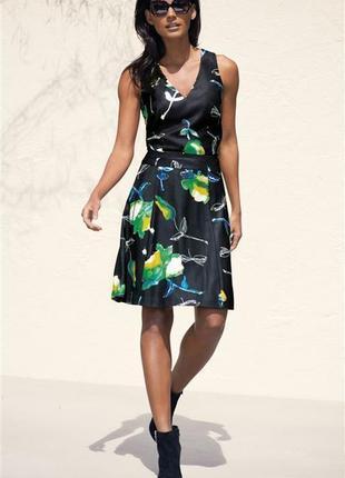 Красивое платье с отстроченными клиньями, l