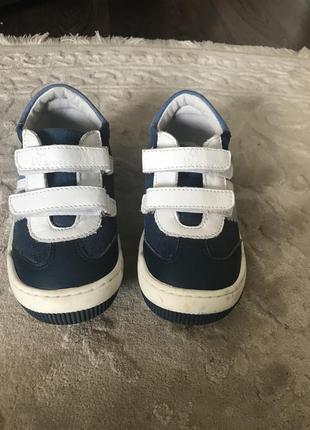 Кожаные демисизонные кросовки размер 25