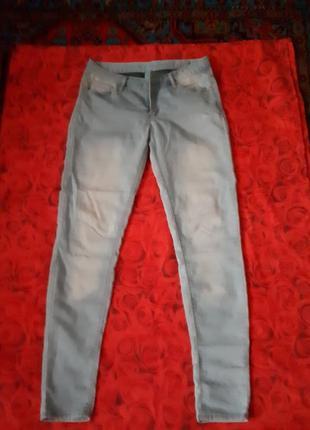 Отличные летние голубые джинсы