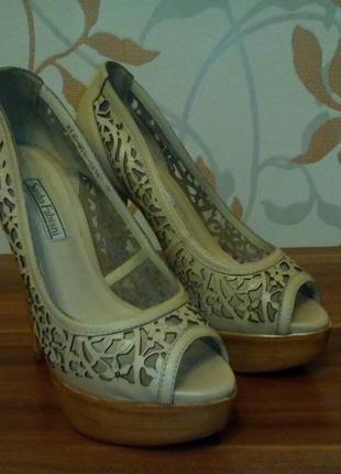 Очень красивые туфельки sasha fabiani