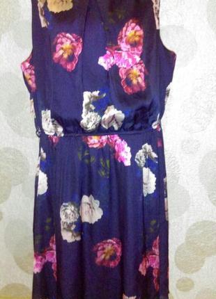 Красивое платье с принтом,большого размера