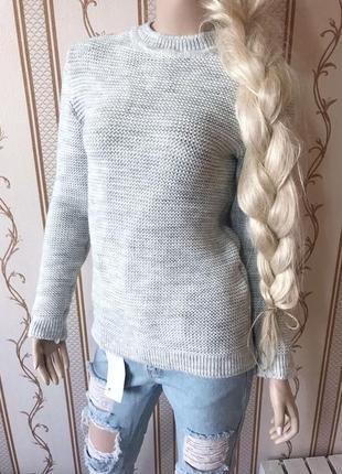 Теплый вязанный свитер  очень мягкий