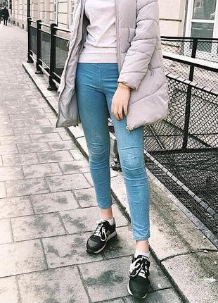 Голубые джинсы h&m