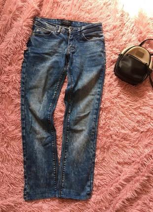 Фирменные джинсы, идеально сидят