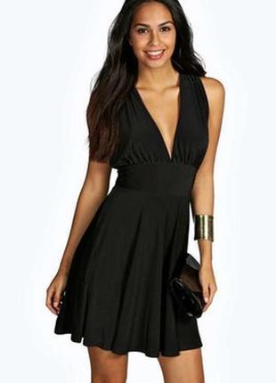 Очень красивое платье, размер xs, , приятное к телу, состояние идеальное!