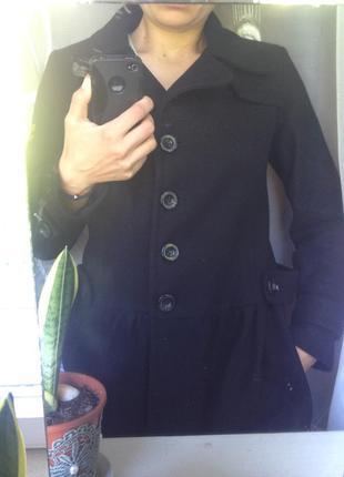 Стильне шерстяне демісезонне пальто