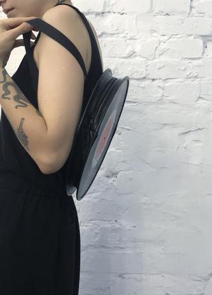 Рюкзак-сумка из виниловых пластинок2