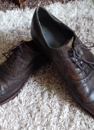 Эксклюзивные туфли от esprit. размер указан 44, стелька