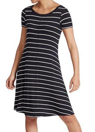 Темно-синее платье в полоску с вырезом сзади5 фото