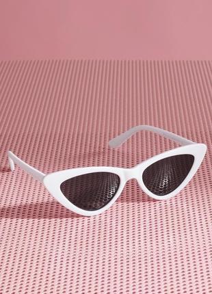 Белые очки cat eye