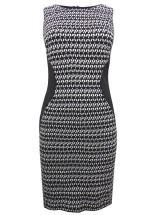 Платье-футляр с геометрической расцветкой  {бренд the london clothing company}