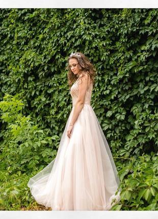 Платье на выпускной , свадьбу