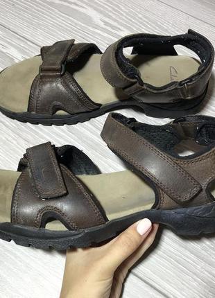 Кожаные босоножки clarks кожа коричневые размер 42 сандали на липучке