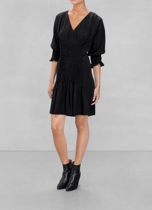 Черное женственное платье с v-вырезом & other stories